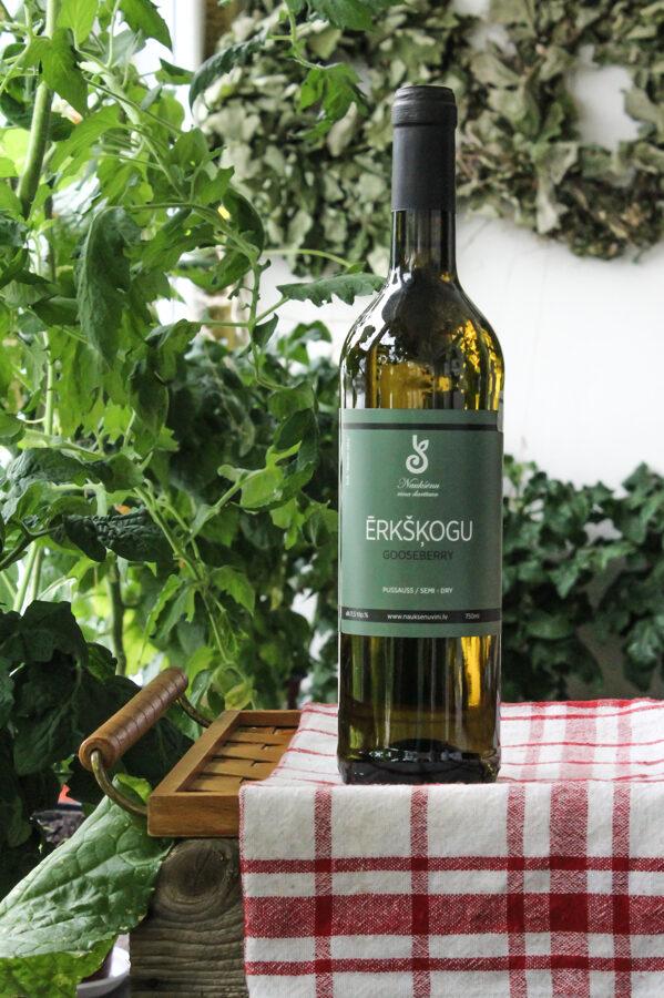 Ērkšķogu vīns, pussauss, alc. 11 tilp.%, 750 ml