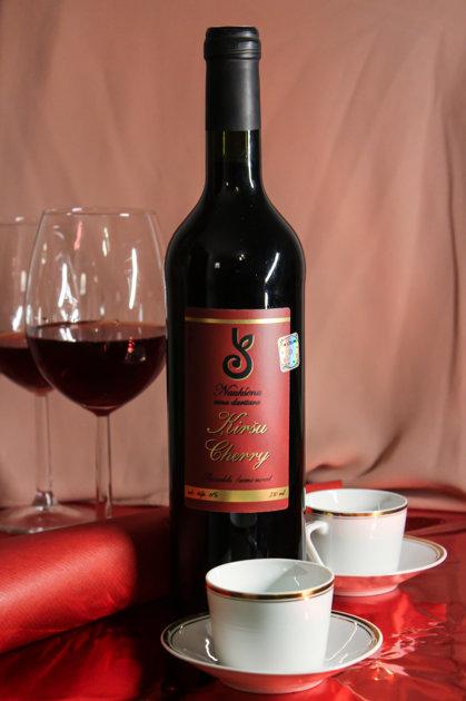Ķiršu vīns, alc. 11 tilp.%, 750 ml